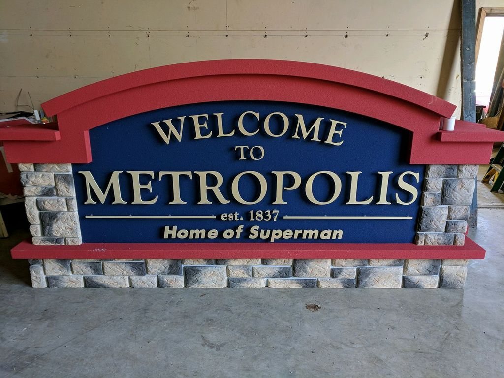 welcome_to_metropolis_sign.jpg