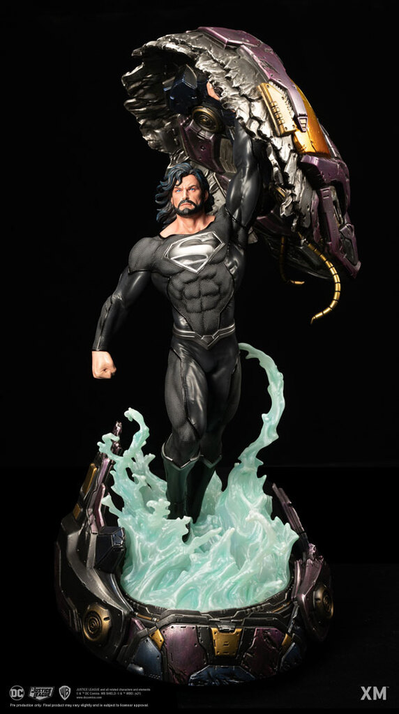 xm_studios_recovery_suit_superman_rebirth_statue_1.jpg