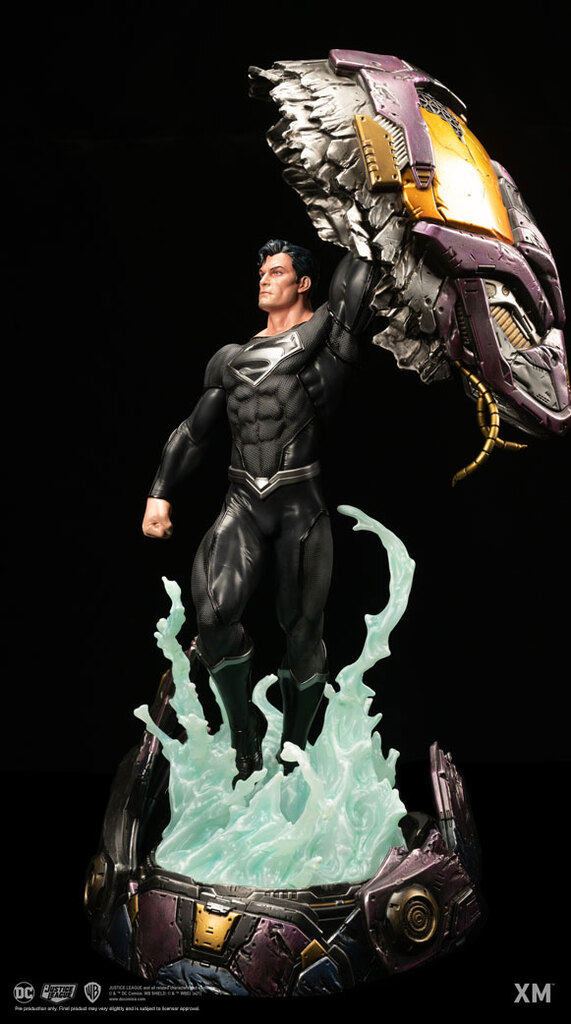 xm_studios_recovery_suit_superman_rebirth_statue_2.jpg